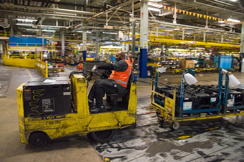 gm adds new robots to assembly plant in arlington dallas innovates. Cars Review. Best American Auto & Cars Review