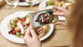 Should Phone Charging be on a Restaurant's Menu?
