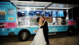 5 Reasons Brides are Choosing Food Trucks for Their Weddings