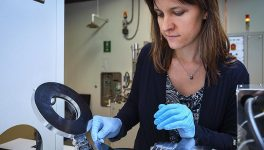 UNT Professor Shines With Anti-Glare Coating for Glass